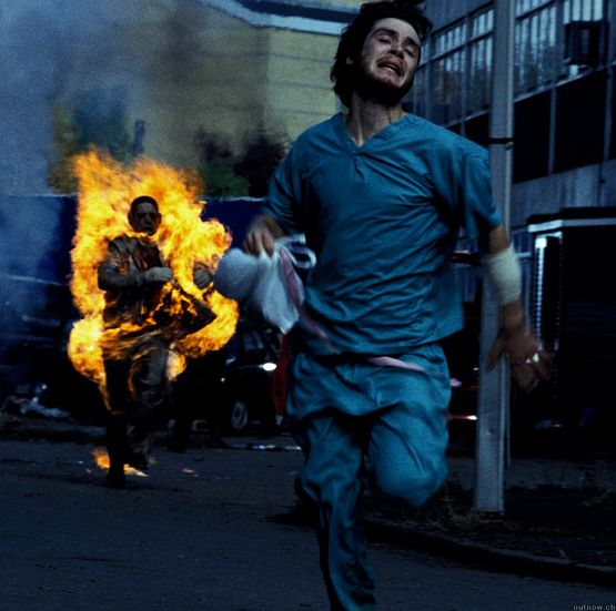 zombie-28-days-later-cillian-murphy-on-fire-haircut