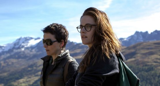 Clouds-of-Sils-Maria-4