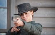 Стрельба с двух рук. «Джейн берет ружье», режиссер Гэвин О'Коннор